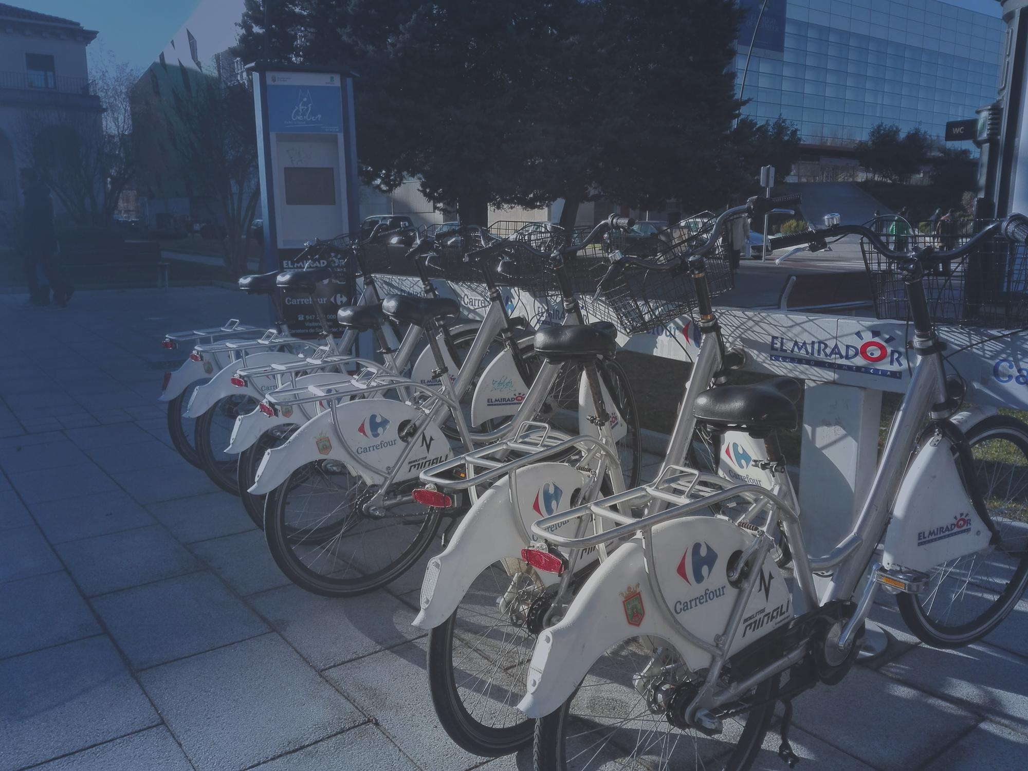 estación de bicicletas junto al meh